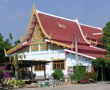 Wat Mai Had Kra Thing Thong на пляже Jomtien